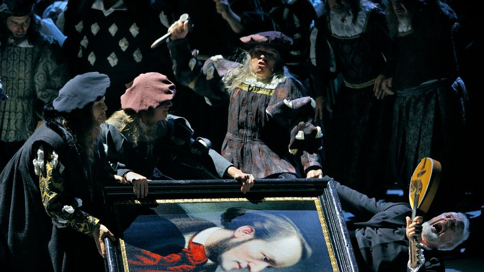 Fotoprobe zu »Die Meistersinger von Nürnberg«: Zu sehen sind Chor und Statisten – sowie Johannes Martin Kränzle als Sixtus Beckmesser