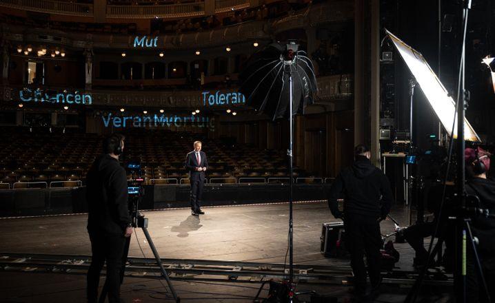 FDP-Chef Christian Lindner auf der Bühne: Ohne Publikum, ohne Applaus