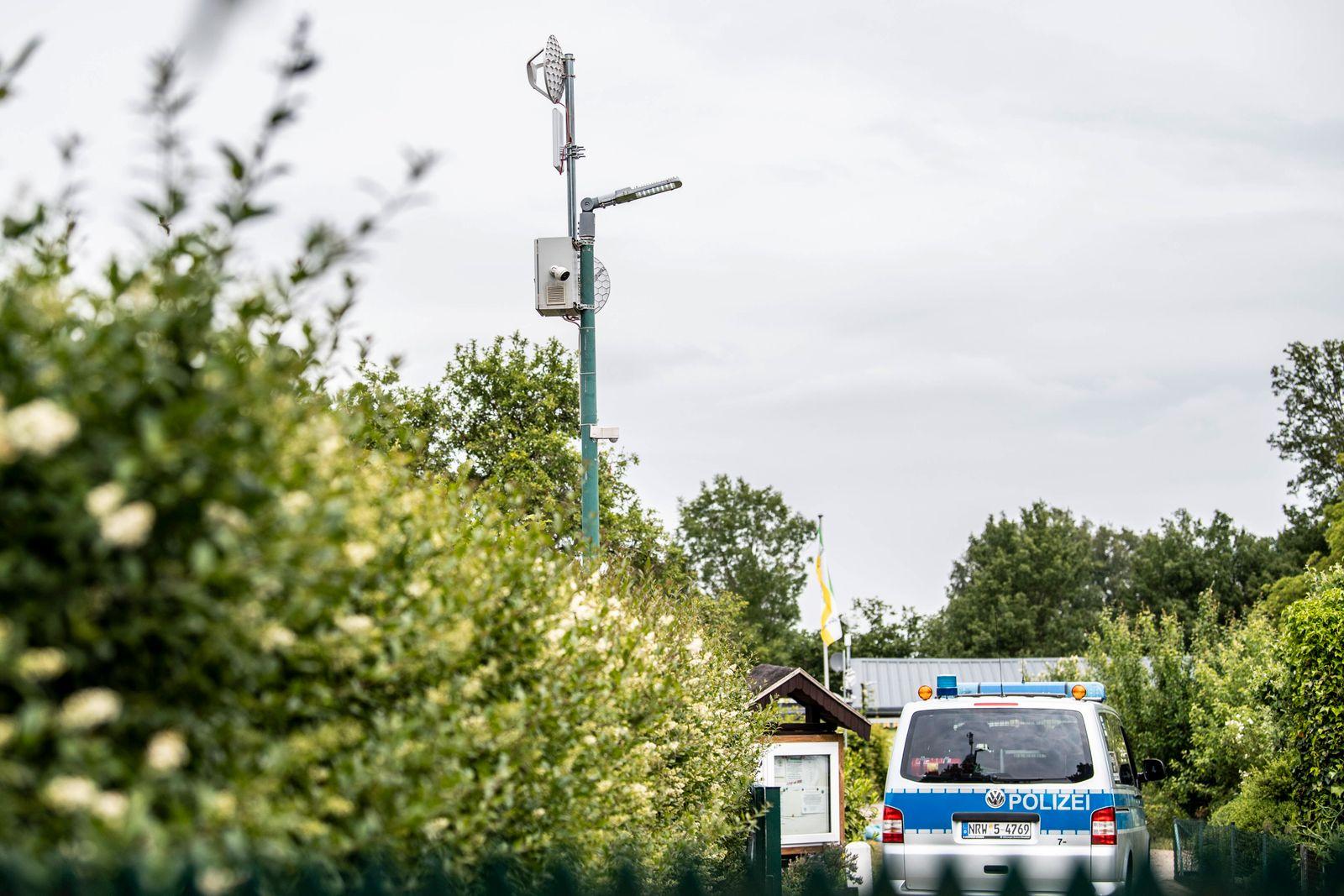 Kindesmissbrauch in Münster Gesellschaft: Kriminalität, Prozesse. An einem Lichtmast hängt eine Videokamera zur Überwac