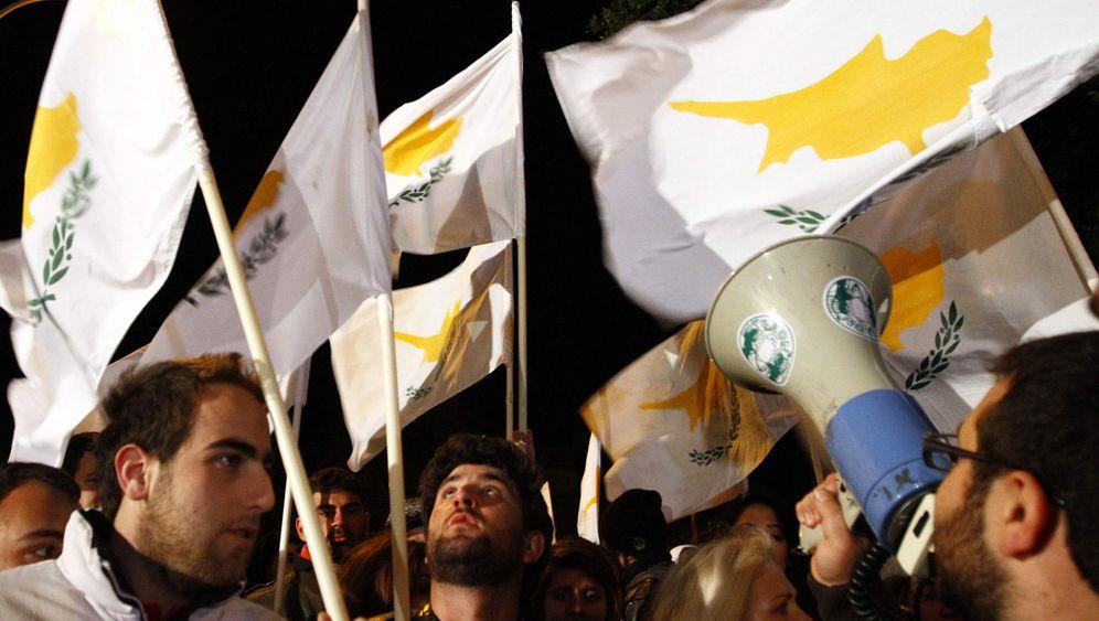 """Rettungspläne für Zypern: """"Schmerzhafte Maßnahmen"""""""