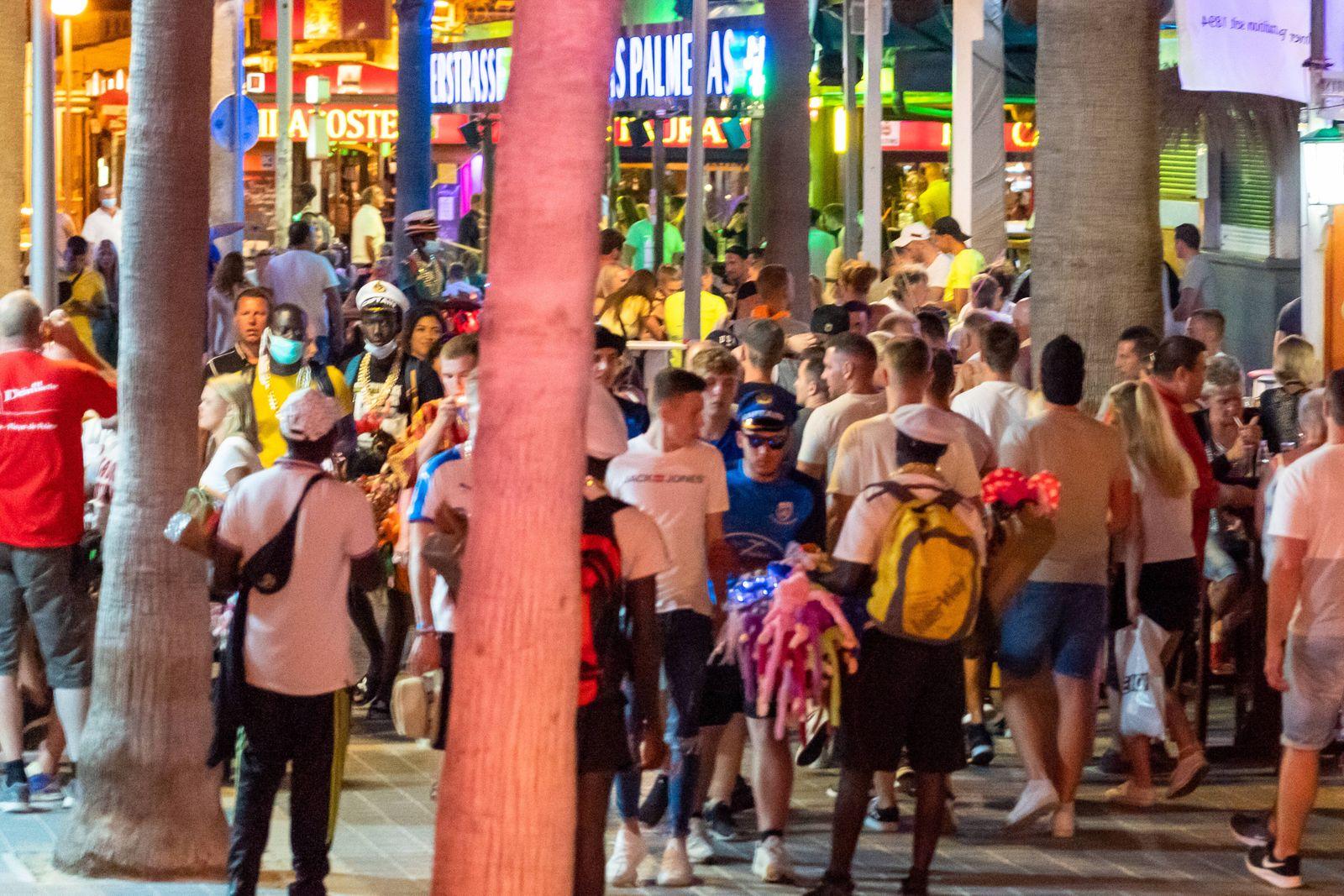 Während der Corona-Pandemie und nach dem Lockdown konzentriert sich das Nachtleben an der Playa de Palma auf der Insel