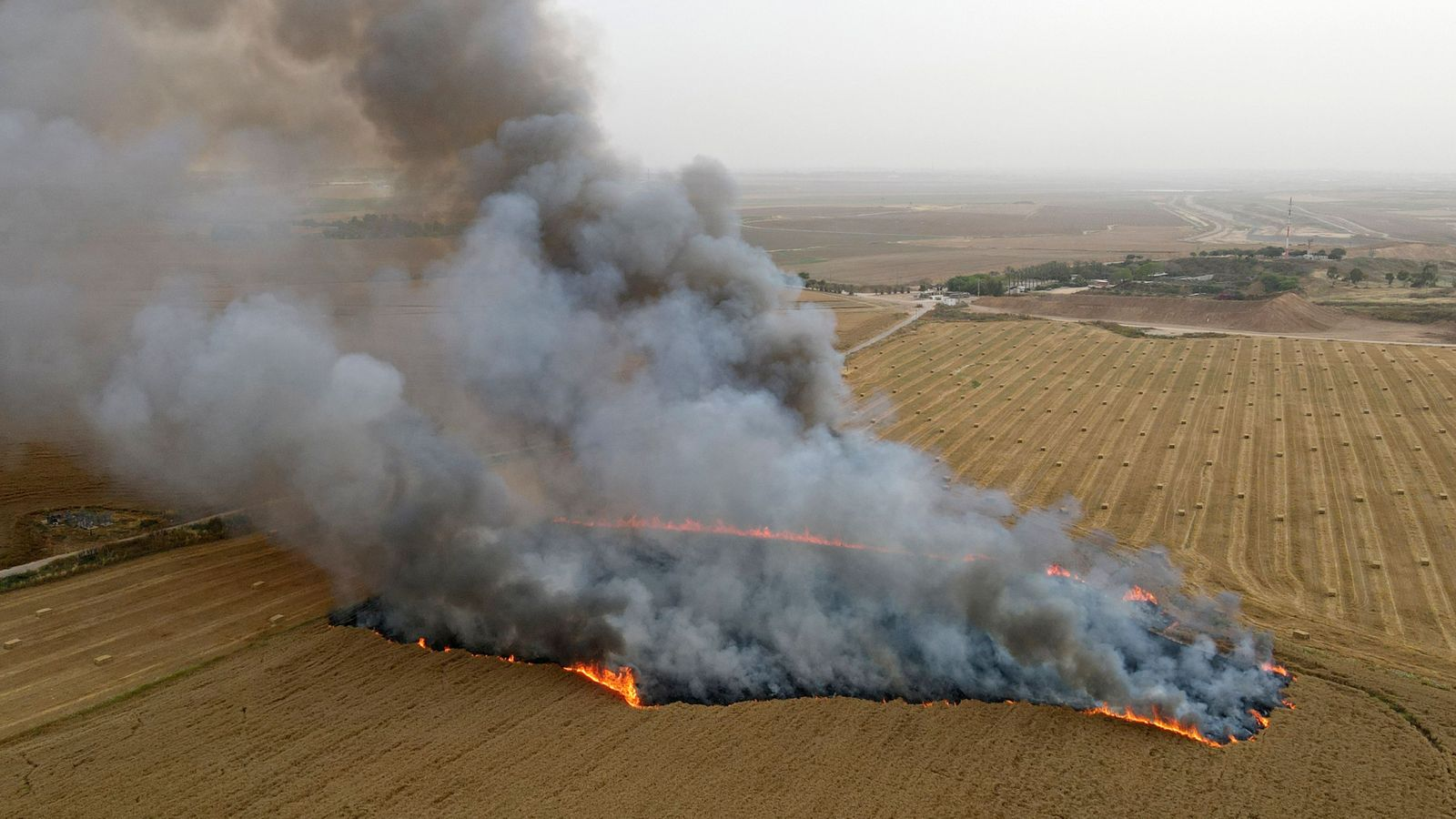 TOPSHOT-ISRAEL-PALESTINIAN-CONFLICT-FIRE