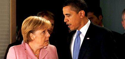 Obama und Merkel (im April 2009 in Baden-Baden): So schnöde ließ den neuen Superstar noch keiner abblitzen.