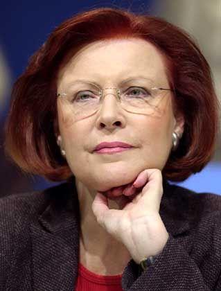 """Heidemarie Wieczorek-Zeul (SPD), Bundesministerin für wirtschaftliche Zusammenarbeit seit 1998: """"Wir arbeiten daran, dass der Krieg noch verhindert werden kann"""""""