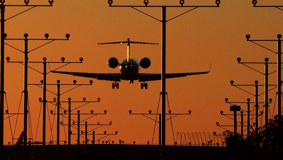 """Landendes Flugzeug: """"Der Druck nimmt immer weiter zu"""""""