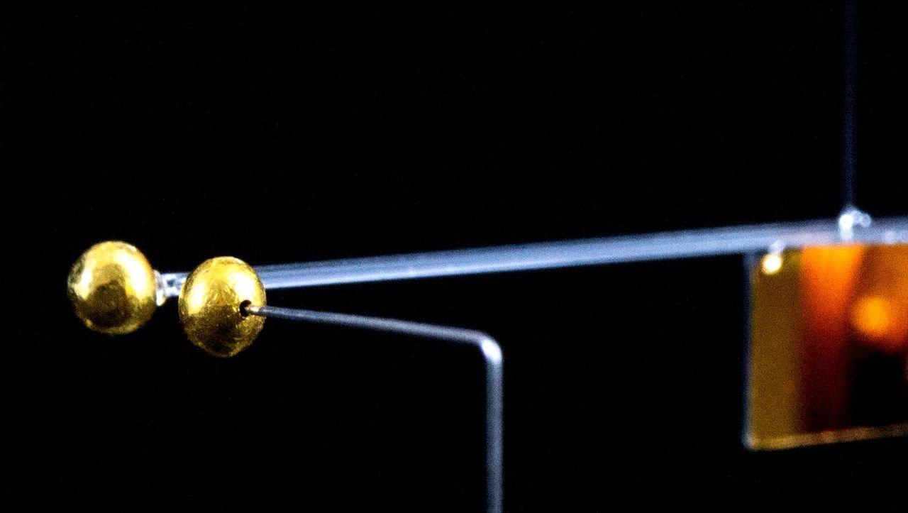 Rekordexperiment: Physiker messen bislang schwächste Anziehungskraft der Welt - DER SPIEGEL