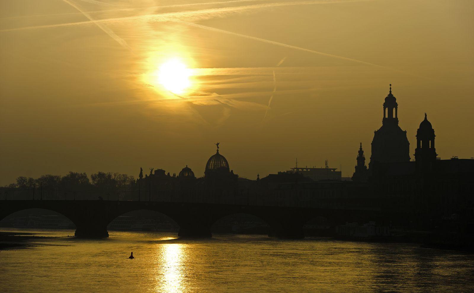 Sonnenaufgang / Klimawandel / Dresden
