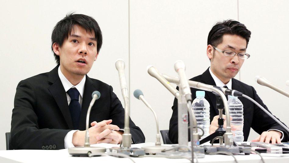 Coincheck-Chef Koichiro Wada (links) bei Pressekonferenz