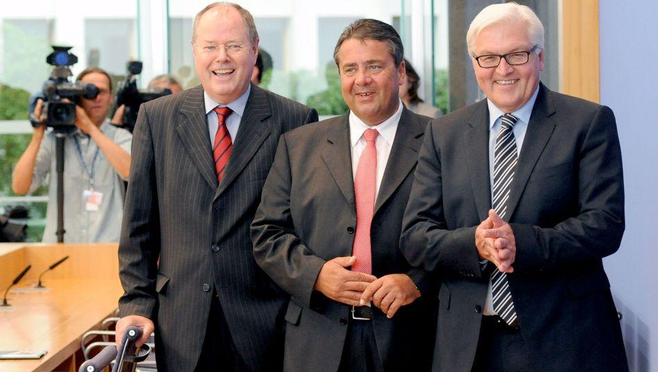 SPD-Troika Steinbrück, Gabriel und Steinmeier: Steuererhöhung, die kaum jemand merkt