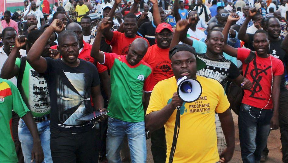 Proteste in Ouagadougou: Brigadegeneral Diendéré zum Präsidenten ernannt