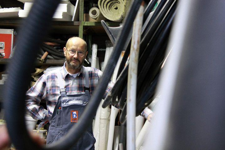 Hans-Werner Bruch, 62, ist Fachmann für Sanitär, Heizung und Klempnerei aus Siegen