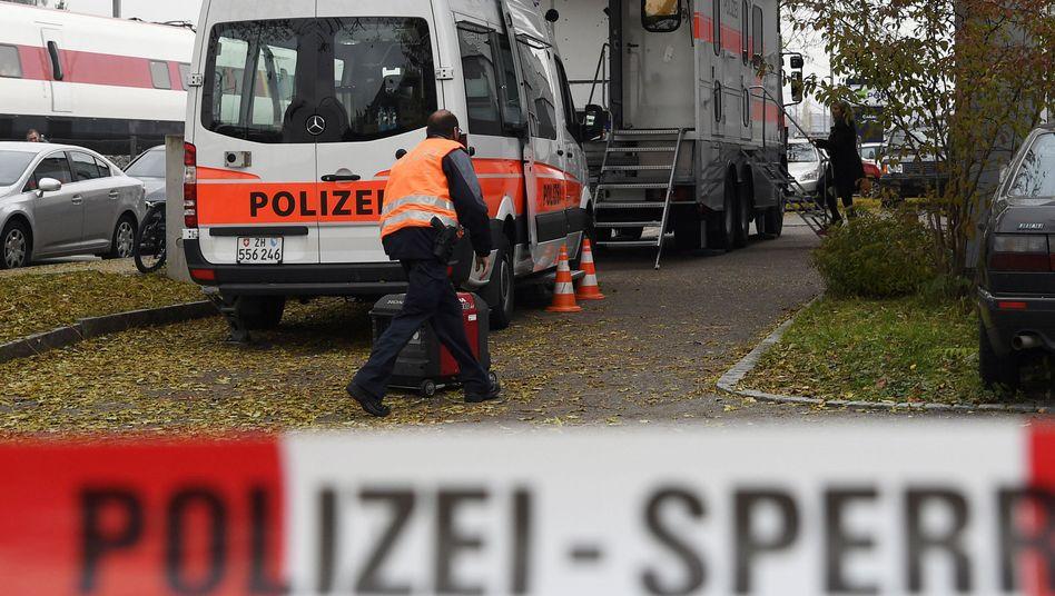 Polizeieinsatz vor der An'Nur-Moschee in Winterthur