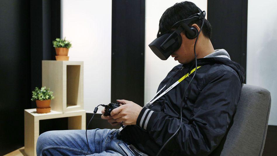 Oculus-Rift-Tester auf der Messe CES: Das Gadget ist teurer als erwartet