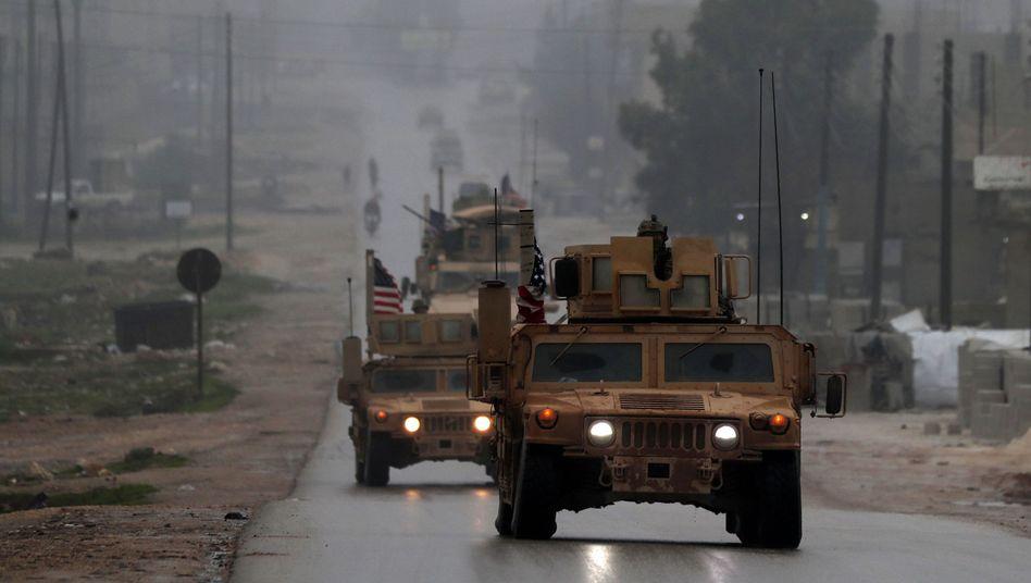 US-Militärfahrzeuge im nordsyrischen Manbidsch