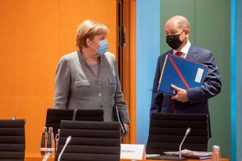 Kanzlerin Angela Merkel, Finanzminister Olaf Scholz