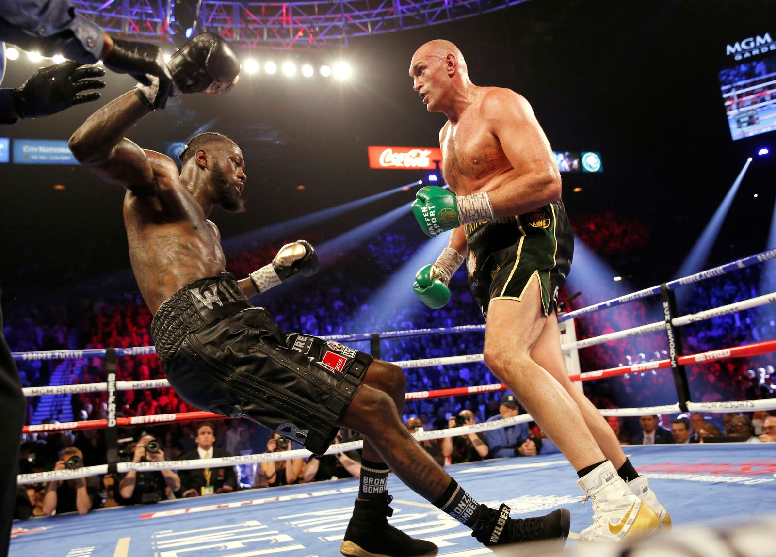 Deontay Wilder v Tyson Fury - WBC Heavyweight Title