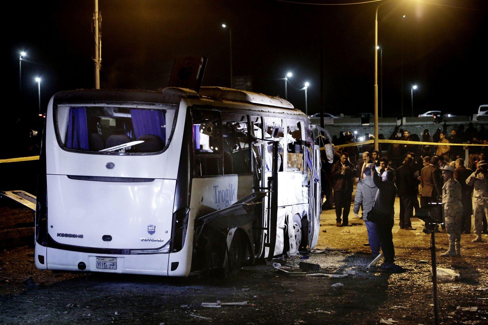Anschlag auf Touristenbus