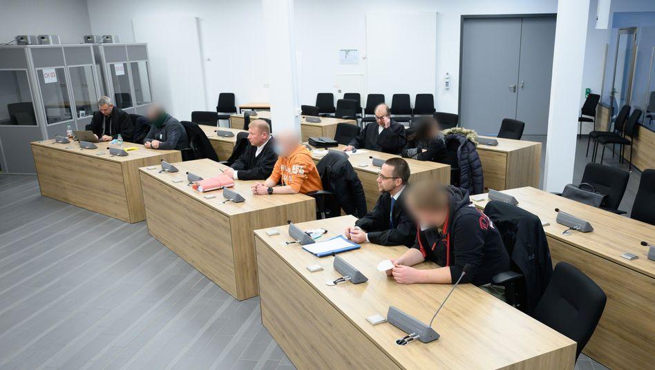 Die Angeklagten im Oberlandesgericht Dresden