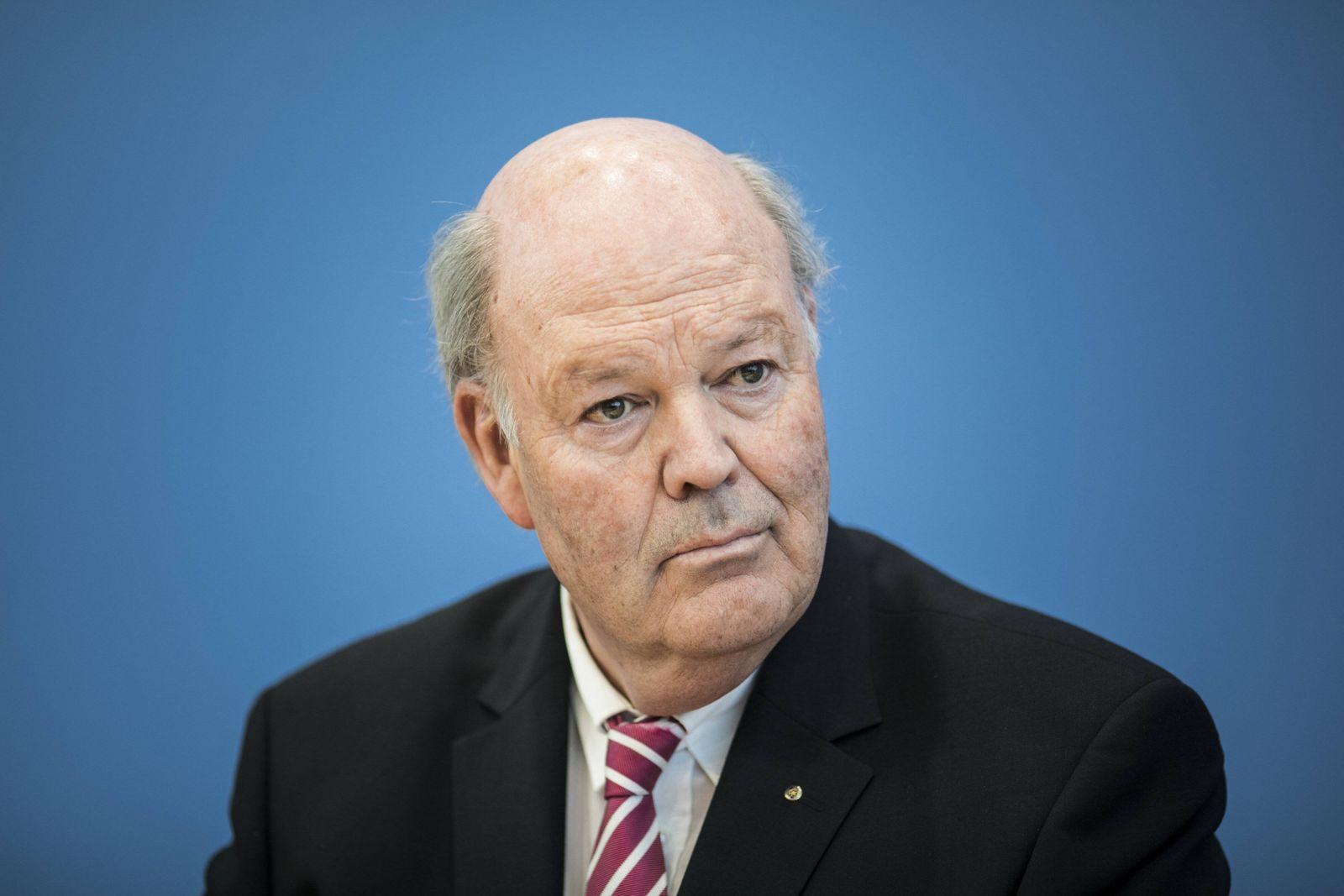 Hans Joachim Grote IMK Vorsitzender und Innenminister des Landes Schleswig Holstein aufgenommen im