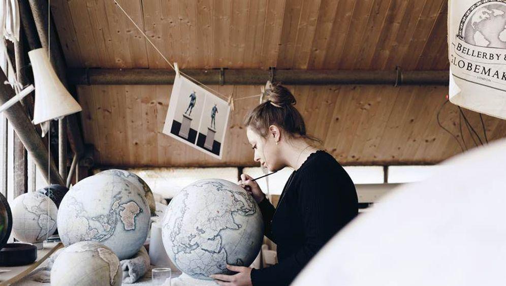 """Globus-Manufaktur in London: """"Ich erschaffe Welten"""""""