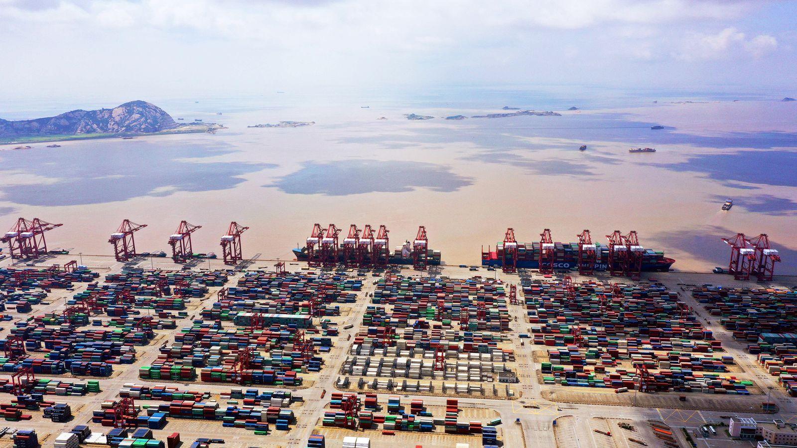 EINMALIGE VERWENDUNG Shanghai, China Konjunktur / Hafen / Export / Import / Welt-Wirtschaft / Welt-Handel /