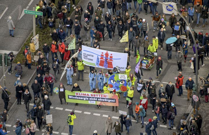 Klima-Demo in Hamburg: laut Polizei 30.000 Teilnehmer