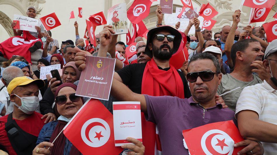 Gegner der tunesischen Verfassungsänderung