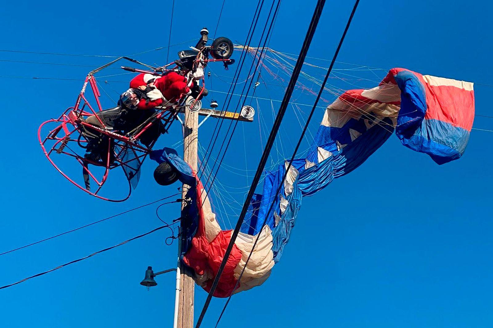 Santa-Power Lines Rescue