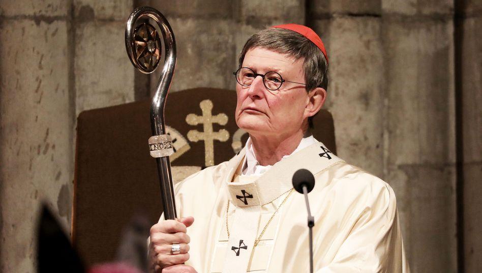 Kardinal Woelki mit Krummstab: »Ich habe mein Gewissen geprüft«