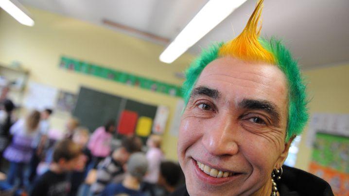 Ein etwas anderer Schulleiter: Punk's not Dead