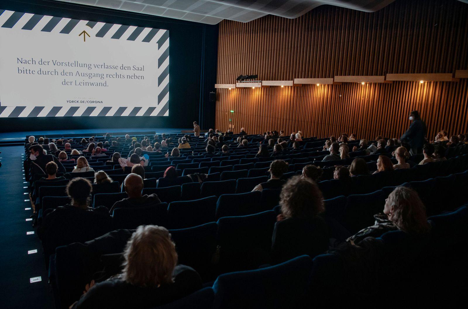 Nach acht Monaten - Kinos öffnen wieder