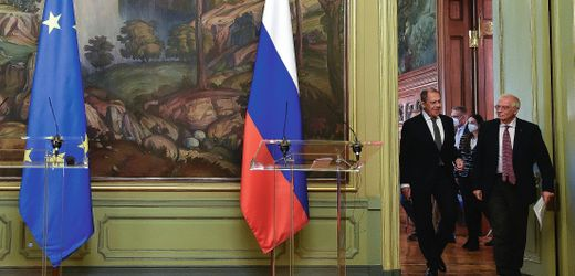 EU: Brussels Pushes Firmer Stance after Embarrassment in Moscow