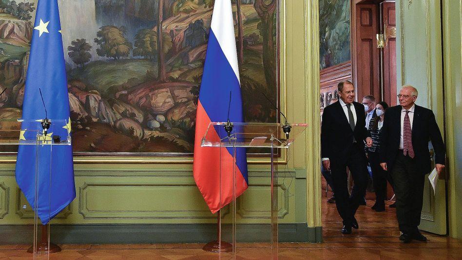 Russlands Außenminister Lawrow, EU-Außenbeauftragter Borrell am 5. Februar in Moskau: Wie im Kalten Krieg