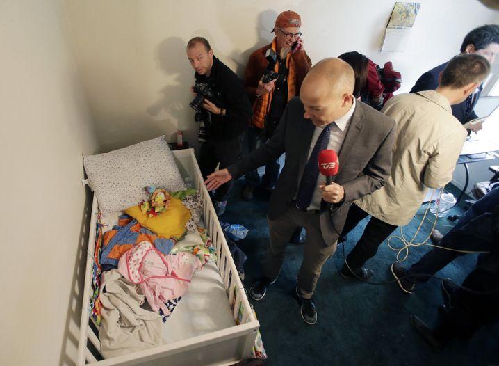 Hauptsache zeigen: Welchen Erkenntnisgewinn hat die Durchsuchung eines Kinderbetts?