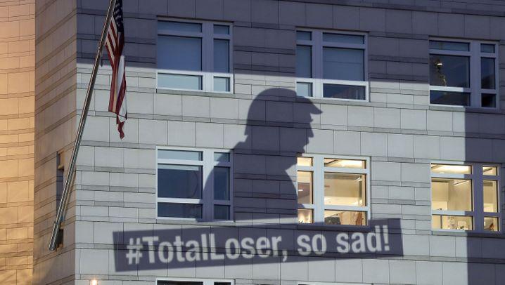 "Klimaprotest gegen Trump: ""Total Loser, so sad!"""