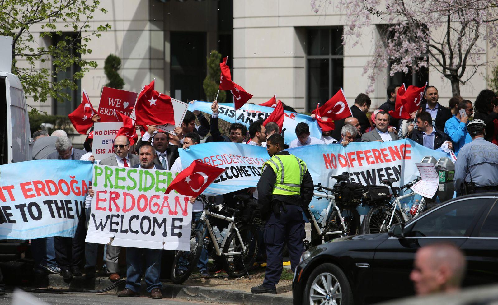 Pro Erdogan Demo in Washington