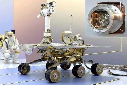 """""""Spirit"""" im Labor auf der Erde mit montiertem Alpha-Röntgenspektrometer: High-Tech aus dem Alten Europa"""