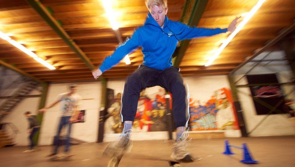 """Seminar """"Skateboarden"""": Titus Dittmann und die geilen Hilfskräfte"""