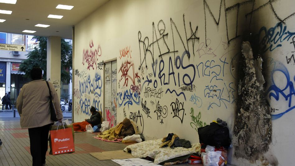 """Obdachlose in Athen: """"Demokratien vertragen nur ein begrenztes Maß an Einschnitten"""""""
