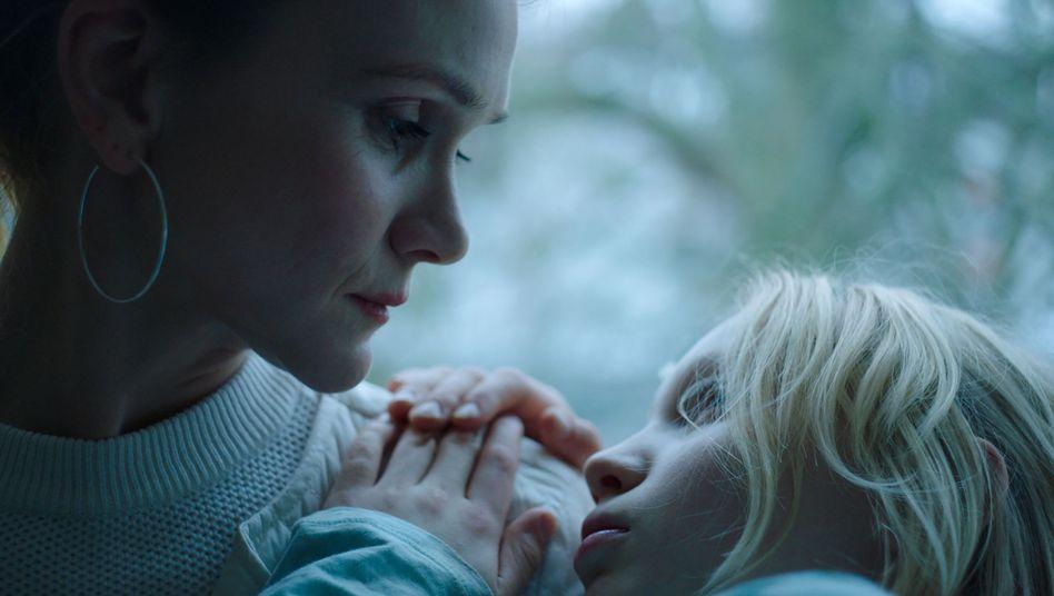 """Helena Zengel (rechts) ist für """"Systemsprenger"""" als beste Hauptdarstellerin für den Europäischen Filmpreis nominiert"""