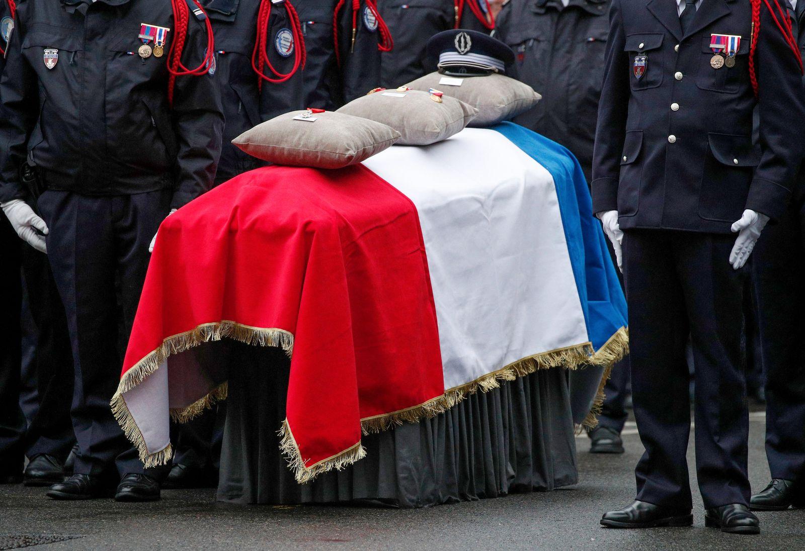 Trauerfeier für getötete Polizisten in Paris