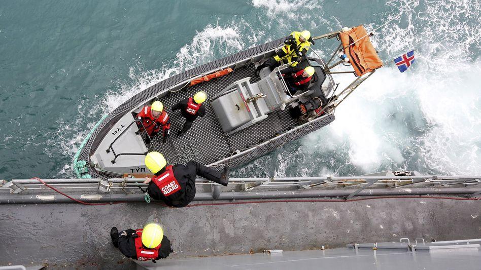 """Küstenretter der Frontex-Mission Triton vor Sizilien: """"Schnell, aber sorgsam"""""""