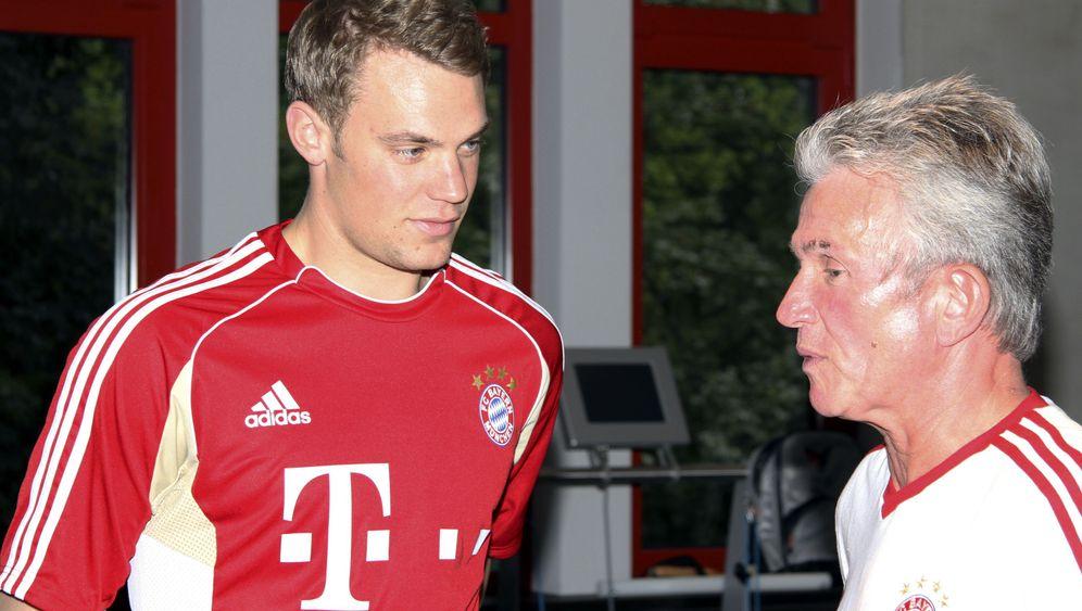 Nationalkeeper beim FC Bayern: Neuers schwerer Stand
