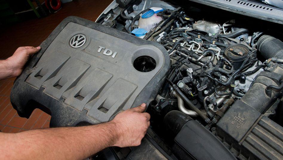 Dieselmotor vom Typ EA189 in einem VW Touran