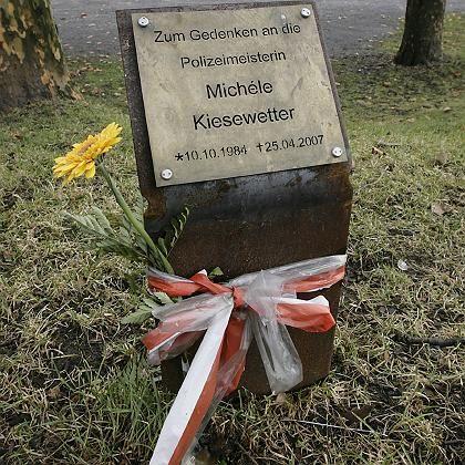 """Gedenktafel für ermordete Polizistin Kiesewetter: """"Bewusste Verhöhnung des Andenkens"""""""