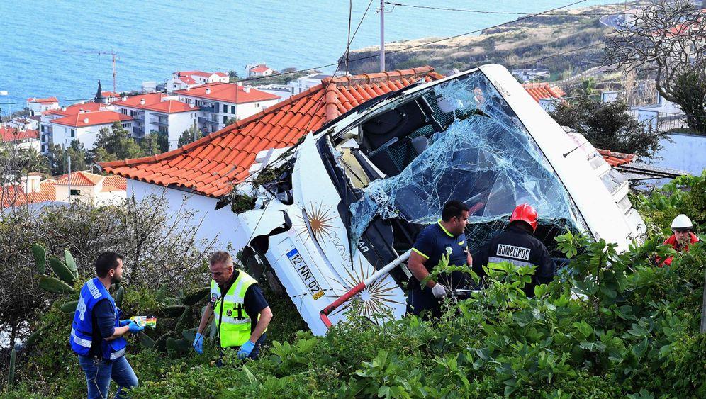 Portugiesische Urlaubsinsel: Schwerer Busunfall auf Madeira