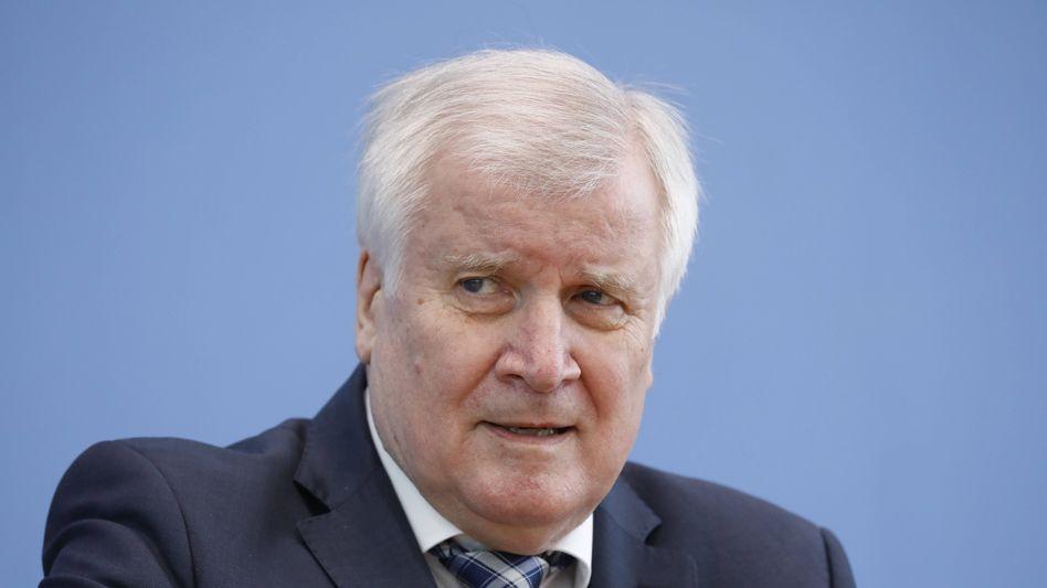 Innenminister Seehofer: »Es muss auch mal wieder gut sein«