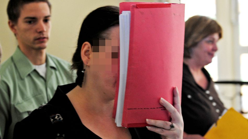 Die angeklagte Stefanie T. vor Gericht