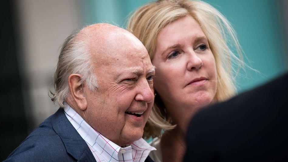 Roger Ailes mit seiner Frau Elizabeth Tilson