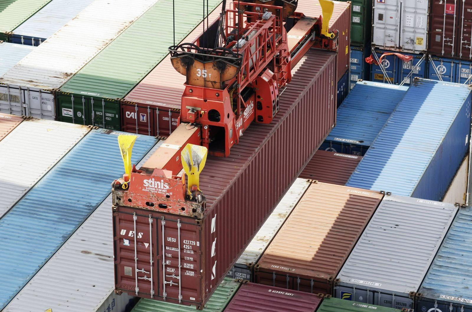 NICHT VERWENDEN DIHK erwartet fuer 2010 moderate Erholung der deutschen Exporte